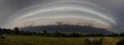 Shelf Cloud 2.jpg